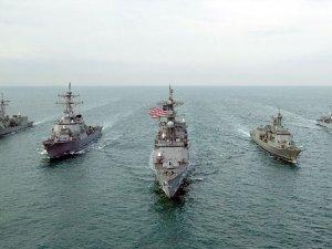 ABD savaş gemisi Yemen'e doğru yola çıktı!