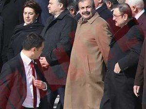 Sırrı Süreyya Önder protokolü bozdu