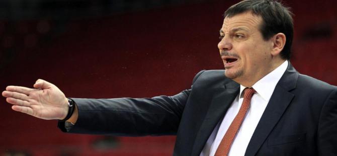 Ergin Ataman'a küfürlü tezahürata Fenerbahçe'den tepki