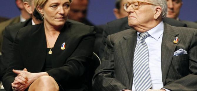 Jean Marie Le Pen'in onursal başkanlığı askıya alındı