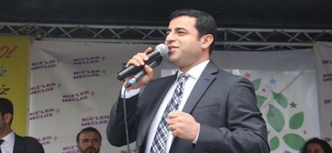 Demirtaş'tan Cumhuriyet'e düzeltme: AKP'ye destek olmayacağız, burunlarını sürteceğiz!