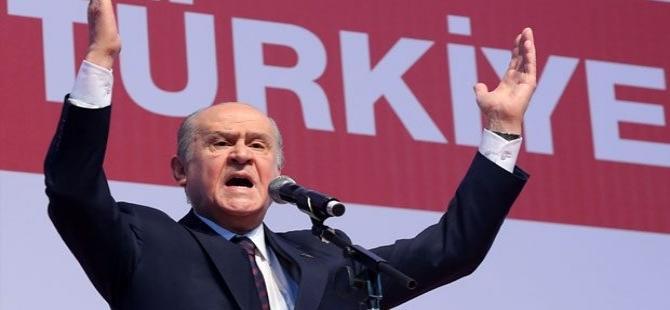 Bahçeli: 'Davutoğlu defolu başbakandır