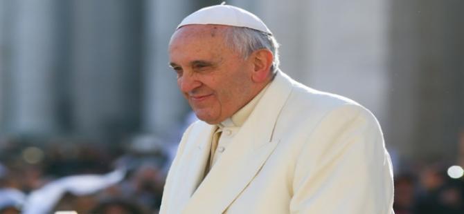 Papa, Müslümanlar için endişe duyuyor