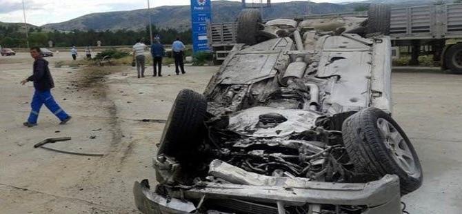 CHP'li adayın bulunduğu otomobil takla attı