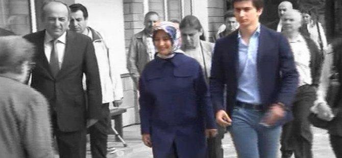 Başbakan Davutoğlu'nun oğlu ilk kez oy kullandı