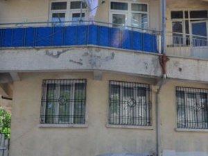 Malatya'da temizlik işçisi cinnet geçirdi