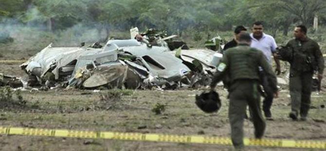 Kolombiya'da askeri uçak düştü: 11 ölü