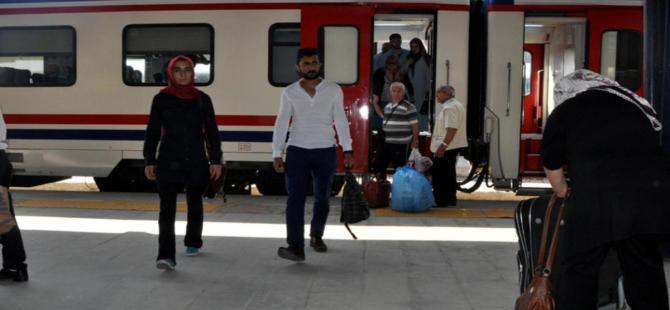 Kars'a tren seferleri iptal edildi