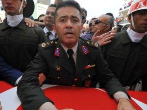 Davutoğlu'ndan Yarbay Mehmet Alkan açıklaması