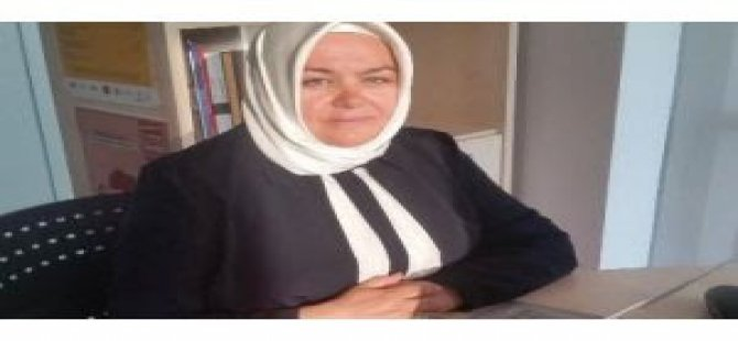Türkiye'nin ilk başörtülü bakanı