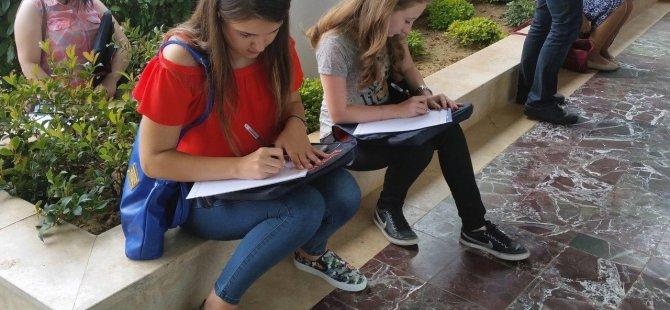 Öğrenciler Geleceğe Mektup Yazarak Eğitime Başladı