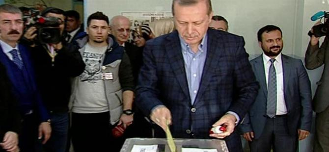 Cumhurbaşkanı Erdoğan İstanbul'da oyunu kullandı