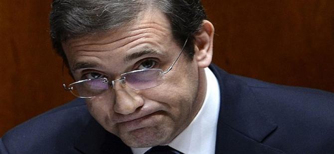 Portekiz'de hükümet düştü