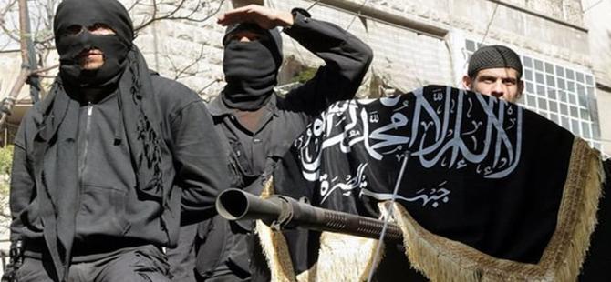 Fransa uçakları IŞİD'in kalesi Rakka'yı bombaladı