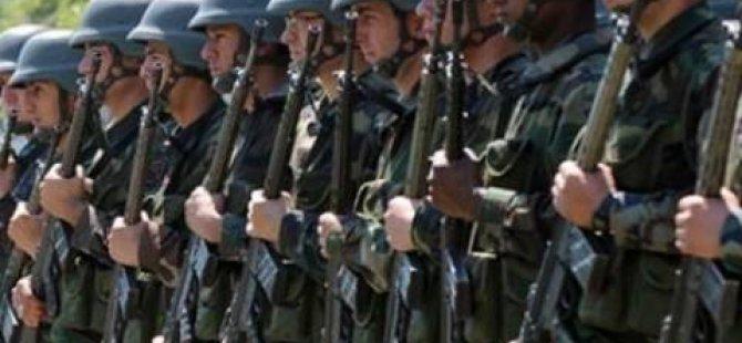 TSK'dan binlerce askere FETÖ incelemesi