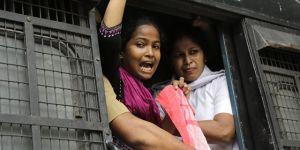 Hindistan polisine toplu tecavüz suçlaması