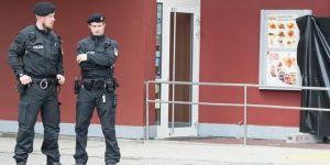 Alman Polisi İmamların Evini Aradı