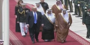 Trump'tan ilk ziyaret! Kral Selman kapıda karşıladı