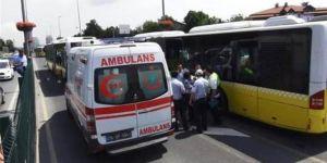 Altunizade'de metrobüs kazası: 5 yaralı