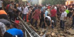 Son Dakika Haberi… Sel sebebiyle Kurtuluş'ta duvar çöktü! Yaralılar var