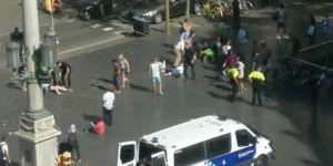 Barcelona'da terör: Minibüs yayaların arasına daldı, 13 kişi öldü, 100'den fazla yaralı