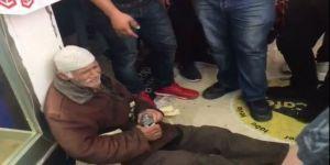 Zabıtanın ıhlamurlarını elinden aldığı yaşlı adam sinir krizi geçirerek ağladı!