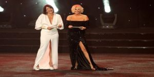 Adana Film Festivali'nde kriz! Meltem Cumbul elini sıkmadı
