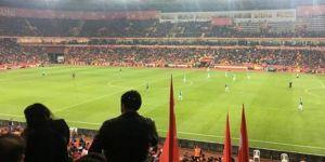 Türkiye-İzlanda maçında düşündüren görüntü