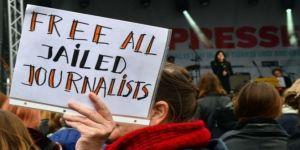 Tutuklu gazeteciler: Türkiye ilk beşte