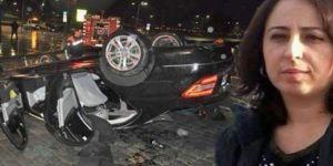Kanseri yendi, kazada başı Sunroof'a sıkışıp can verdi!