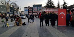 İstiklal Marşı'nda ayağa kalkmayınca gözaltına alınan mimar serbest