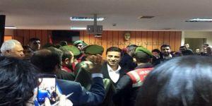 Demirtaş: Öcalan'ın el yazısıyla 'Evet oyu verin' talimatını bize bakan getirdi