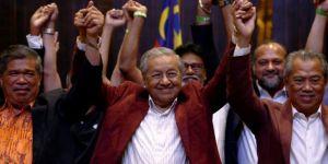 Malezya'da tarihi seçim! Muhalefet ittifakı, 60 yıllık koalisyonu devirdi