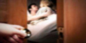Sosyal medyayı sallayan tweet: Aldatıldığını eşinin sırtındaki sivilceden anladı