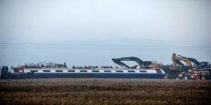 Makinistlerin ifadesi: Zemindeki boşluk nedeniyle tren sarsıldı, frene bastık