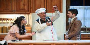 Şener Şen'in tiyatro oyunu Zengin Mutfağı'na büyük ilgi!