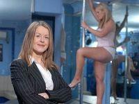 Striptizci avukat kadın