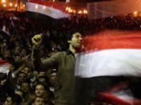 Mısır'da anayasa askıya alındı