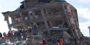 17 Ağustos Depremi'nde hayatını kaybedenler anılıyor