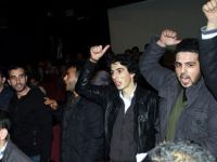 Bir grup Numan Kurtulmuş'u protesto etti