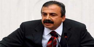 Sırrı Süreyya Önder: Kandil'e bombardımanı Adalet Bakanı durdurdu