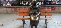 'Oturan kadın heykeli' ortadan kayboldu