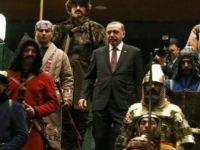 16 Türk devleti askerinin Saray'da canlandırılmasını kim önerdi?