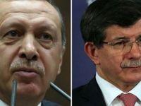 'Erdoğan, Davutoğlu ile siyasi bir oyun oynuyor'