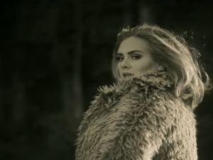 Adele '25' ile rekor kırıyor